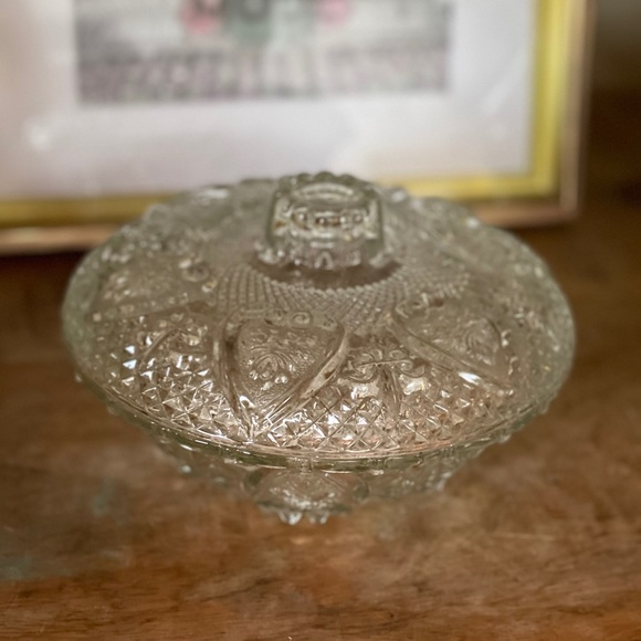 "Vintage pressed glass ornate lidded candy dish 6"""